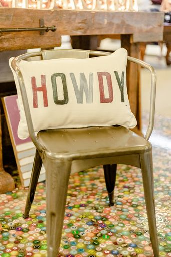 Howdy Poster Pillow